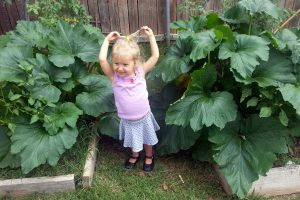 10 reasons to garden with kids