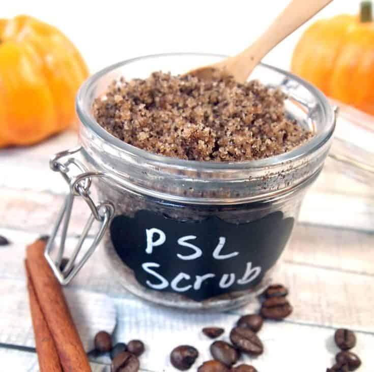 pumpkin spice latte sugar scrub with coffee is perfect for fall!